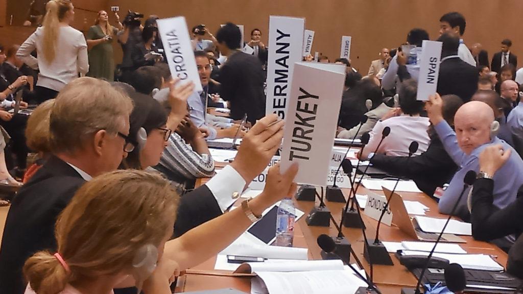 Abstimmung in den UN über Empfehlung an die Vollversammlung, Verhandlungen aufzunehmen. Quelle: IPPNW